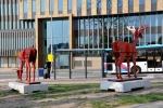 Een bok en een hinde aan de Amsterdamseweg
