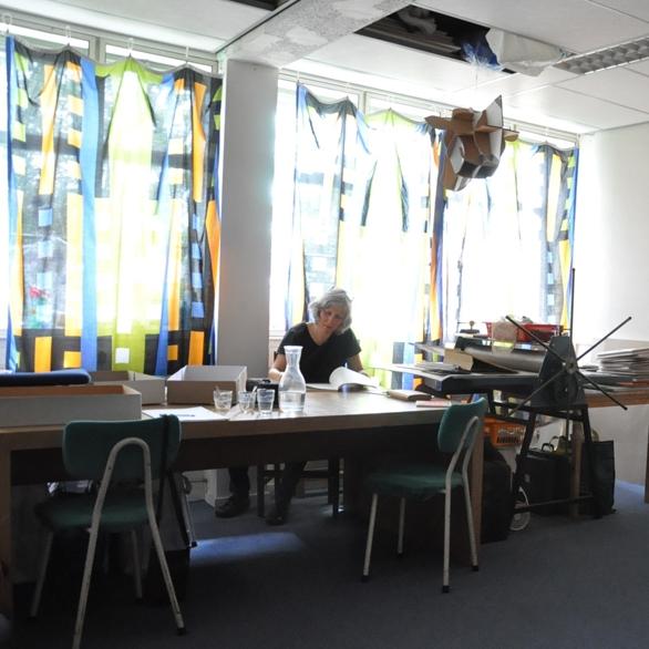 Gea Grevink in haar atelier