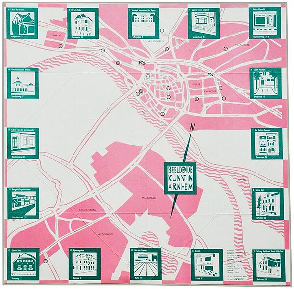 Opengevouwen kaart met galeries